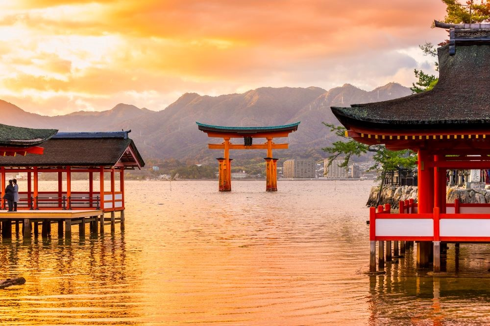 places-to-go-with-jr-pass-itsukushima-shrine