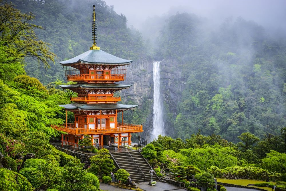 places-to-go-with-jr-pass-seigantoji-temple